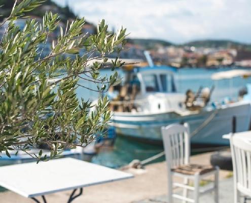restaurant-de-plage-=-terrasse-interdite-?